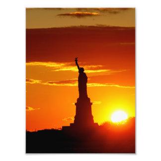 Frihetsgudinnan på solnedgången fototryck