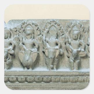 Fris som visar nio gudomar fyrkantigt klistermärke
