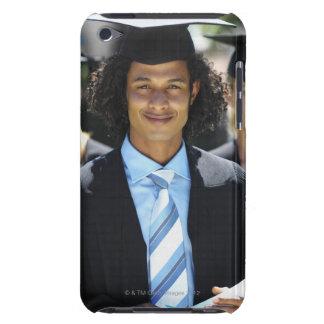 Front beskådar porträtt av fyra ungdomar Case-Mate iPod touch fodral