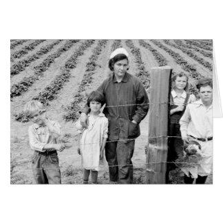 Fru Arnold och ungar - 1939. Hälsningskort