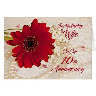 Fru på den 10th bröllopsdagen, en daisyblomma hälsningskort