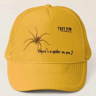 FRYSNING!!! det finns en spindel på… Truckerkeps