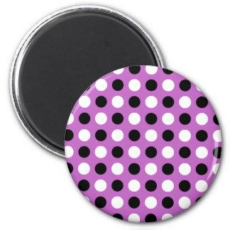Fuchsia polka dots magnet
