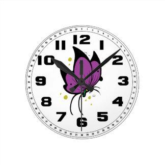 Fylld fräknig fjäril för lilor svart rund klocka