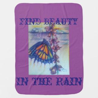 Fyndskönhet i regna bebisfilt