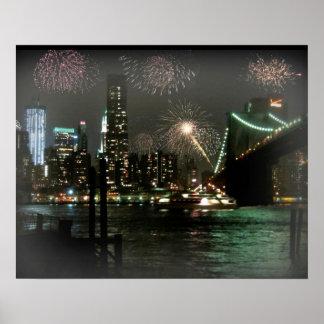 Fyrverkerier över den New York horisontaffischen Poster