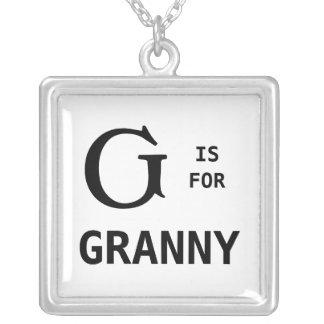 G är för det Monogrammed GrannyMonogramhänget Silverpläterat Halsband