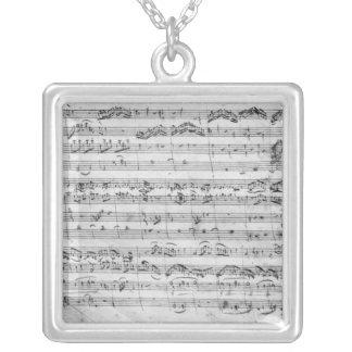G ha som huvudämne för fiol, harpsichord och violo silverpläterat halsband