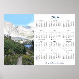 Gå in mot ljus kalender för berg 2016 poster