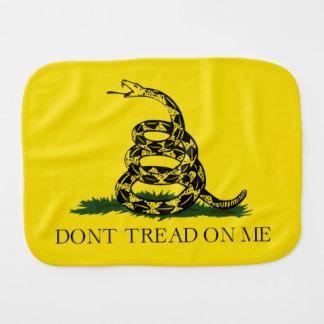 Gå inte på mig den Gadsden amerikanska flaggan Bebistrasa