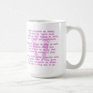 Gå med mig mors dagmuggen (för flickan) kaffemugg