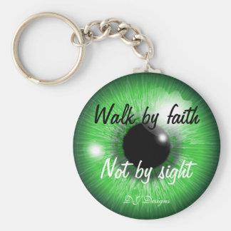 Gå vid tro rund nyckelring