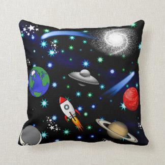 Galaxuniversum - planet, stjärnor, komet, raket kudde