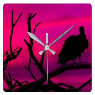 Gam på bästa av trädSilhouetteillustrationen Fyrkantig Klocka