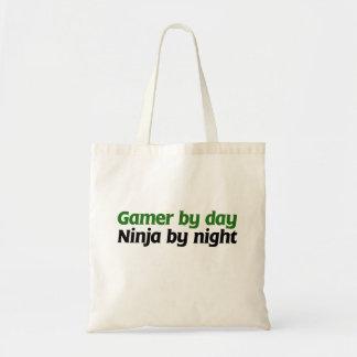 Gamer vid dagen Ninja vid natt Tote Bag