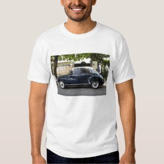 Gammal men mycket väl hållen Audi bil Tröja