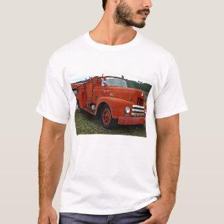 Gammal röd FiretruckT-tröja för Yesteryears T Shirts