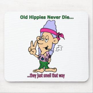 Gammala Hippies dör aldrig - de luktar precis ditå Musmatta
