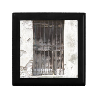 gammalt fönster minnesask