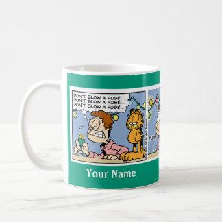 """""""Garfield inte blåsa för en säkring"""" muggen för Kaffemugg"""