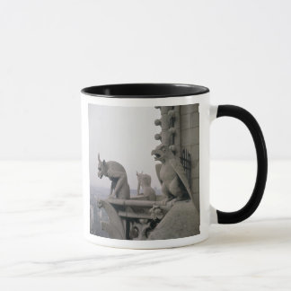 Gargoyles på balustraden av det stort mugg