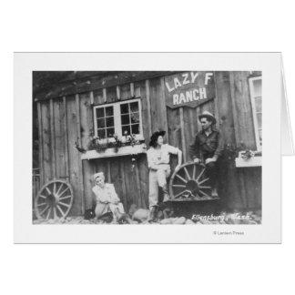 Gäster utanför en lat f-ranch Bldg Hälsningskort