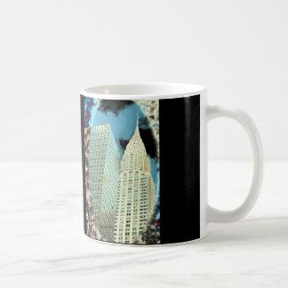 Gata NYC för Chrysler byggnad 42nd Kaffemugg