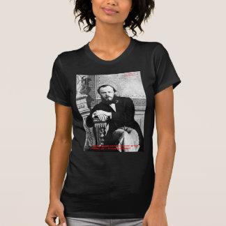 """Gåvor & kort för Dostoevsky """"gud påtänkta"""" T Shirt"""