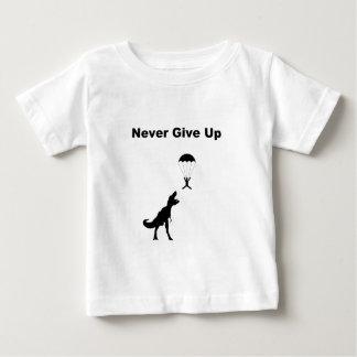 Ge sig aldrig upp tröjor