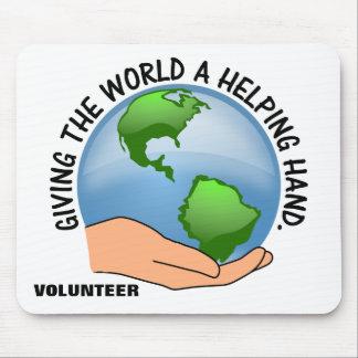 Ge världen som en portion räcker, och ställa upp musmatta