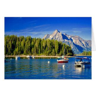 Generiskt hälsningkort med sjön och fartyg hälsningskort