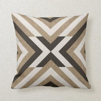 Geometrisk brun FauxBurlap Kudde