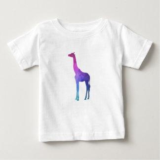 Geometrisk giraff med vibrerande färggåvaidé t shirts