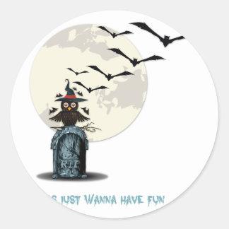 Ghouls önskar att ha roligt runt klistermärke