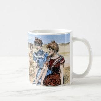 Gibson flickor på stranden, 1900 kaffemugg