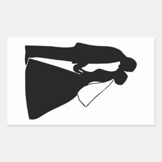 Gifta sig kyssbruden och brudgumsilhouetten rektangulärt klistermärke