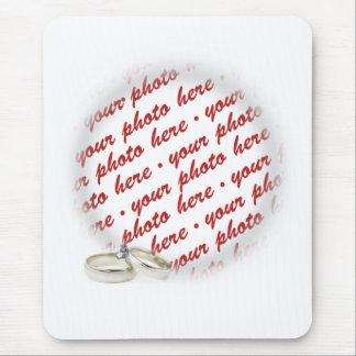 Gifta sig ramen med ringar mus mattor