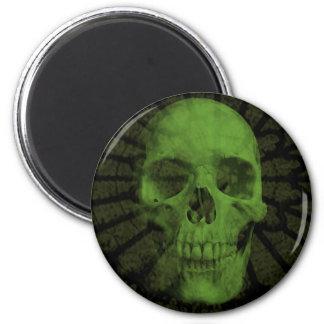 Giftlig skalle magnet rund 5.7 cm