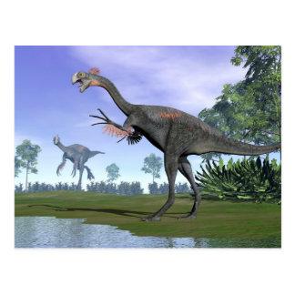 Gigantoraptor dinosaurs i natur - 3D framför Vykort