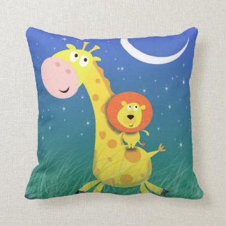 Giraffet och lejont kudder för barnrum kudde