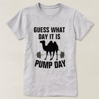 Gissningen vilken dag det är, ha sex med t-shirt