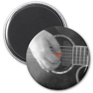 Gitarren knäppas magnet