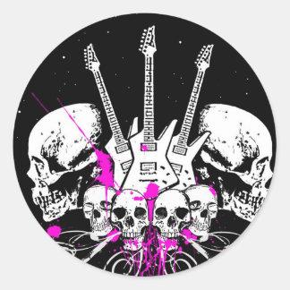 gitarrer och döskallar rund klistermärke