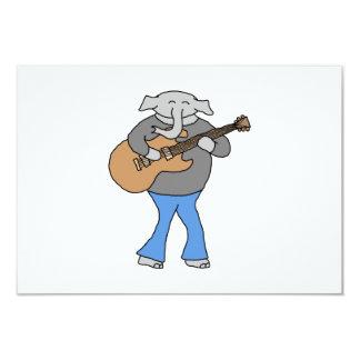 Gitarrist. Elefant som leker den elektriska 8,9 X 12,7 Cm Inbjudningskort