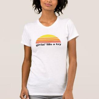 Givin liv ett försök t-shirts
