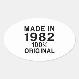 Gjort i 1982 ovalt klistermärke