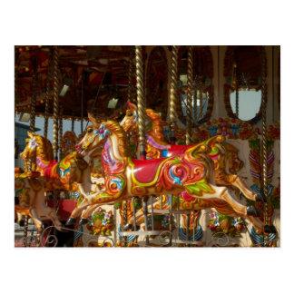 Glad-gå-runda hästar vykort
