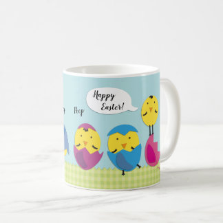 Glad påskchickar tillfogar namn kaffemugg