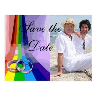 Glad regnbåge och ringbröllop spara datum vykort