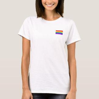 Glada regnbågeflaggakvinna t-skjorta t-shirt
